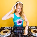 DJ Sparks Sparx Female DJ Hire